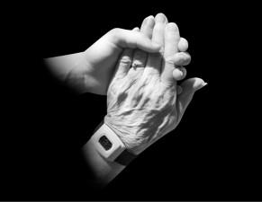 alzheimer manos anciana psicologo bilbao psicologos gran via