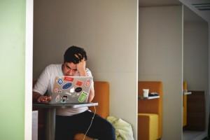 Los efectos del estrés laboral, también en la pareja